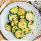 Koreanisch inspirierter Gurkensalat - schnell und einfach gemacht!