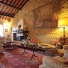 JUST €300,000! Superb 8 Bedroom Historic Umbrian Property!