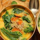 Spinat-Buchweizen-Curry mit Karotten und Erdnüssen