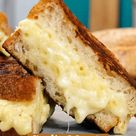 Garlic Mac 'n Cheese Sandwich