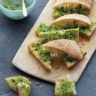 Easy Herbed Garlic Bread Recipe