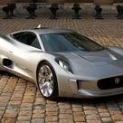 Jaguar Land Rover terá 3 carros no novo 007