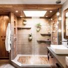 Offene Dusche, vielleicht nicht unbedingt Holz, vielleicht Fließen Licht von Oben, vielleicht in einer Dachschräge, nette Ablage, mit Glastüren abtrennen