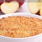 Mit diesem Rezept gelingt ein köstliches Gericht mit Äpfeln und Streuseln. Apfel Crumble schmeckt einfach himmlisch. #apfelcrumble #crumble #apfel #rezept #süßspeise #dessert #lecker #einfach