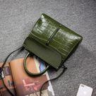 Julia Taliana ™    Fashion leather handbag