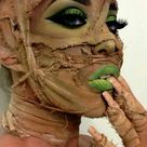 Mummy Makeup