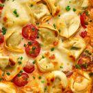 Ofen Tortellini | schnelles Feierabend Rezept aus nur 4 Hauptzutaten! (Auflauf / Gratin)