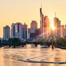 Frankfurt Skyline bei Sonnenuntergang   Harald Nachtmann