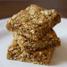 Grab-and-Go Oatmeal Bars That Pack 17 Grams of Protein