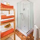 Badezimmer renovieren: So werden Fliesen, Fugen und Co. wie neu