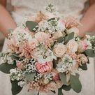 Vintage Brautstrauß mit Rosen in crème und rosé