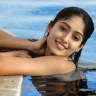 Ileana D'cruz Hot in Swimming Pool