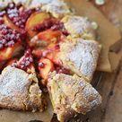 Galette mit Pfirsichen und Beeren - Peach Berry Galette