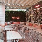 Flower walls and pink decor - Sunset by Australasia / Manchester