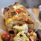 Rezept: Brot mit Tomaten, Schafkäse und Kürbiskernen