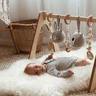 Süßer Spielbogen für Babys.