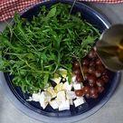 3 Zutaten Salat: Trauben, Ziegenkäse und Rucola