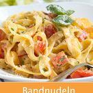 Diese Pasta Kreation mit Paprikagemüse und frischen Kräutern schmeckt unglaublich gut Zudem ist dieses Gericht schnell zubereitet. pasta bandnudeln paprikasoße paprika gesund vegetarisch rezept kochen gutekueche
