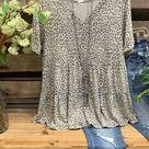 Leopard Printed Casual V Neck Short Sleeve Gray Shirt Top- Lilicloth