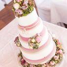 Vintage Wedding Cake im Blumenmeer - Mann backt
