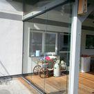 Seitliche Schiebetüren aus Glas | Österreichischer Lieferant