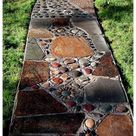 How to make natural pebble mosaic and stepping stones for your garden #stepping #stones #pathway #diy #garden #paths #steppingstonespathwaydiygardenpaths What is pebble mosaic? Pebbles arranged in different patterns and set in mortar. The applications are amazingly diverse: stepping stones, pathways, patios,
