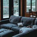 Errores frecuentes al pintar muebles de madera - Hogarmania