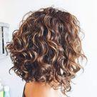 Gestufte Haare: So schön und vielseitig ist die Trendfrisur!