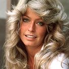 How To Get The Look: Farrah Fawcett 5th Anniversary: 70s Feathered Wavy Curls Hairstyle & Makeup Tips For A Beauty Icon - BeautyStat.com