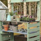 Avec des palettes   table de rempotage   Potting Bench