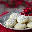 Unglaublich zarte Schneeflöckchen Kekse - Eine Prise Lecker