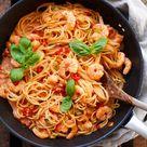 Nudeln mit Garnelen und Tomaten-Sahnesauce (20 Min!) - Kochkarussell