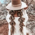 How To Style Your Hair with a Brimmed Hat This Fall   DIY Darlin'