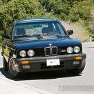 Chris Harris Drives the E28 BMW M5