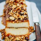 honing yoghurtcake met gekarameliseerde noten • Deb's Bakery & Kitchen