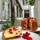 Gugelhupf mit Johannisbeeren: Der leckerste Beerenkuchen