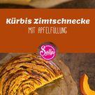 Kürbis Zimtschnecke mit Apfelfüllung und Karamellguss