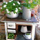 Bepflanzte Objekte vom Schrott - Karin Urban-NaturalSTyle