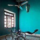 Des murs de couleurs vives sous le soleil - Turbulences Déco