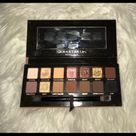 Anastasia Beverly Hills Soft Glam palette Anastasia Beverly Hills Soft Glam Eyeshadow palette 100% Authentic 6 shades show use other shades pretty much untouched Outside of palette gets dirty as with All Abh Palettes with Soft felt packaging it's annoying so needs a new home comes with brush No Box her formula is very soft & delicate so leaving it to buyer to sanitze with their preferred method. Last pic is darker to try & show the usage of shades a bit more clearly has visible dips in 6 shaades