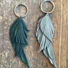 Upcycled Leather Feather Keychain   Schlüsselanhänger leder, Ohrringe diy und Diy leder