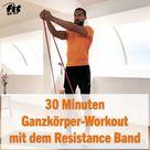 Home-Workout mit Coach Kofi: 30 Minuten Ganzkörpertraining mit Resistance Band