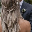 Minimalist bar circle. Hair jewel, gold clip, silver, circular ring. Fine, refined, boho, shiny, simple accessory.
