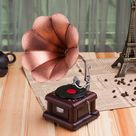 Metal Vintage Gramophone Sculpture/statue Vintage Record Player Model Home, Office, Club Bar, Loft Decorations/Home decoration New present fashion