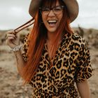 Molly Grunewald   Michigan Wedding Photographer & Educator's Pinterest Account Avatar