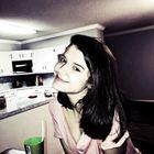 Bethany Davis's Pinterest Account Avatar