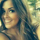 Emma Menard instagram Account