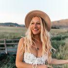 Light Travels    Travel Blogger instagram Account