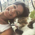 Esra Irmak instagram Account