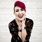 Positive Kelly | Brand Coach, Body Positive, Graphic design Pinterest Account